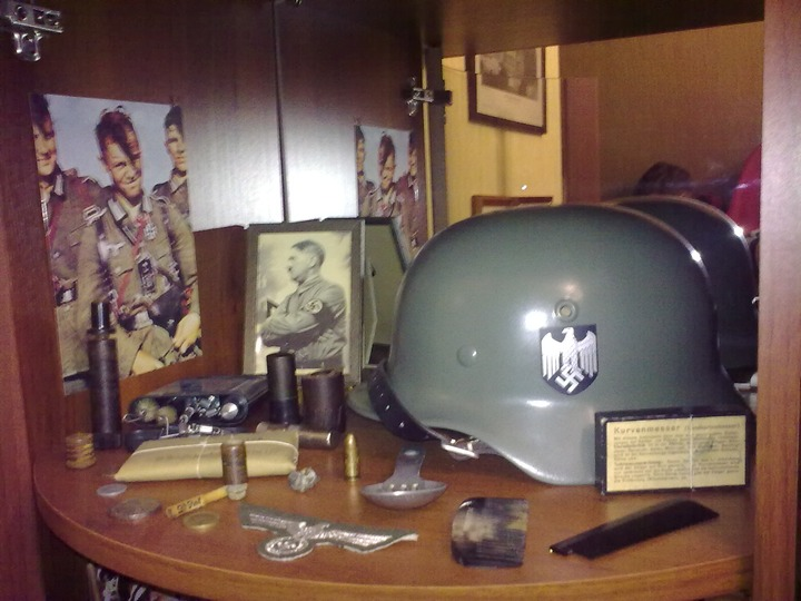 У подозреваемых по 282-й статье  изъяли боеприпасы и нацистскую форму