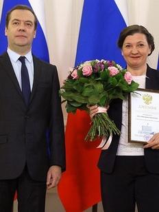 Медведев вручил премию правительства главе Гильдии межэтнической журналистики