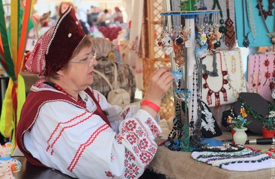 Мастерица из Владивостока откроет в городе музей русского костюма