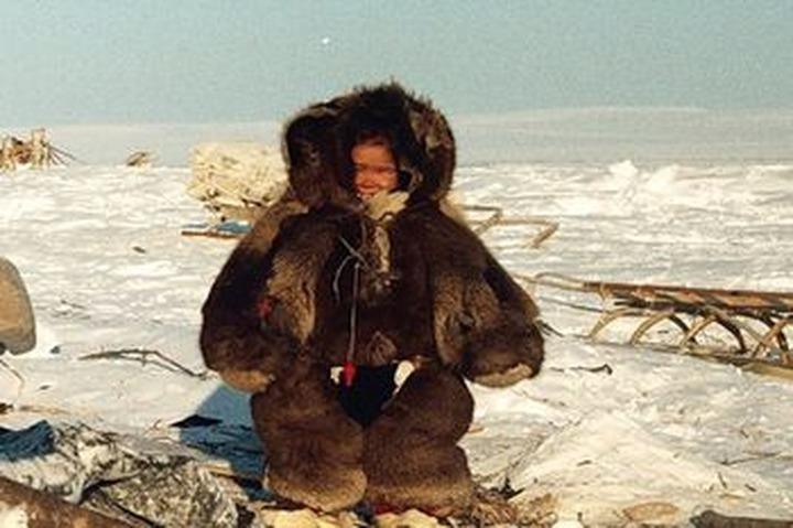 Коренные народы Камчатки поддержали покупкой чукотской кухлянки и пыжикового малахая
