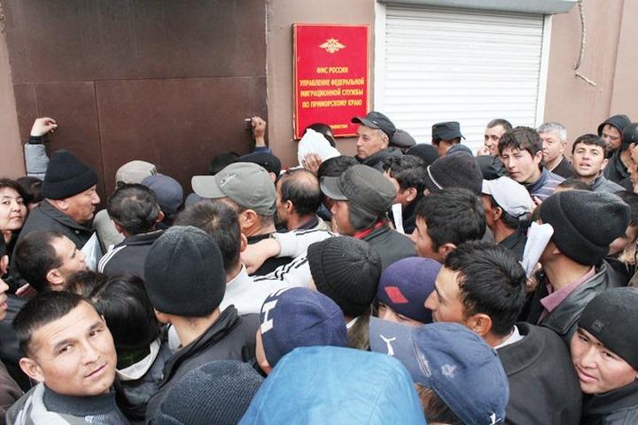 В Госдуме считают опасной идею амнистии для нелегальных мигрантов