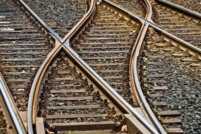 Застрявших на российско-казахстанской границе мигрантов отправят на родину поездом