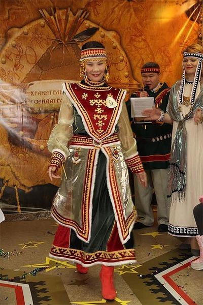 В Дудинке щегольнули национальными костюмами северян