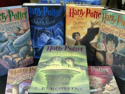 Еще две книги о Гарри Поттере перевели на татарский язык