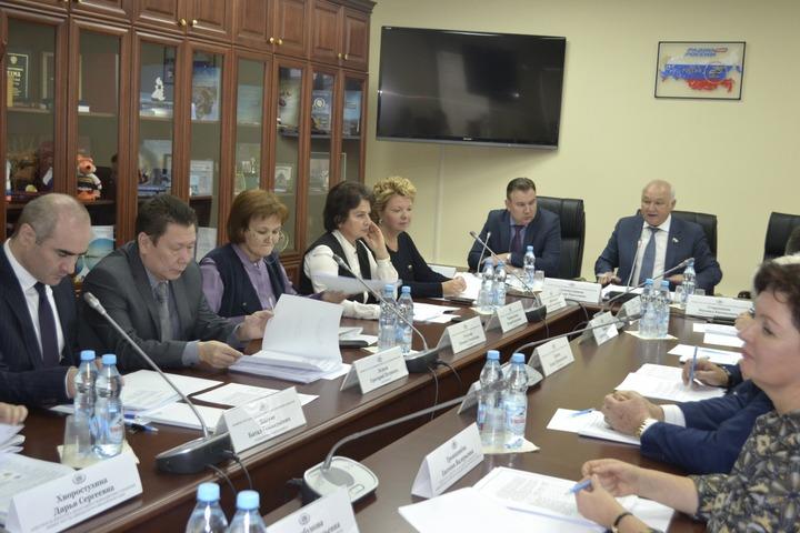 Комитет по делам национальностей рекомендовал увеличить финансирование нацполитики