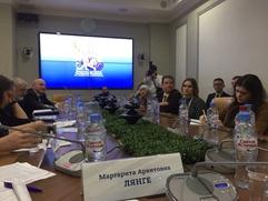 Эксперты: СМИ слабо отражают факты народной дипломатии