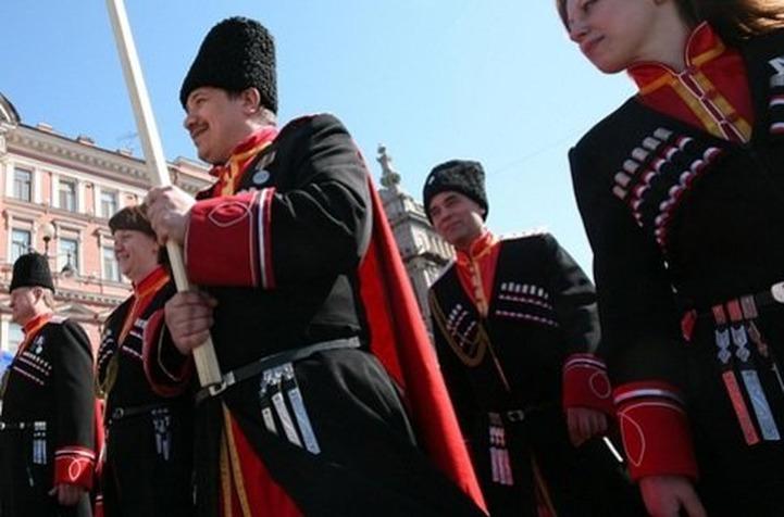 За отказ от иностранных продуктов Путину присвоили звание казачьего полковника