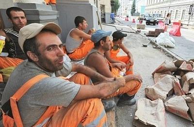 Количество мигрантов в Санкт-Петербурге увеличивается каждый год на 25%