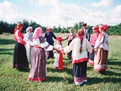 """В Югорске прошел """"Славянский хоровод"""" под открытым небом"""