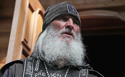 Захватившего монастырь в Свердловской области священника лишили сана
