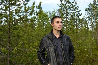 На Алтае задержали по подозрению в экстремизме нацболов и журналиста
