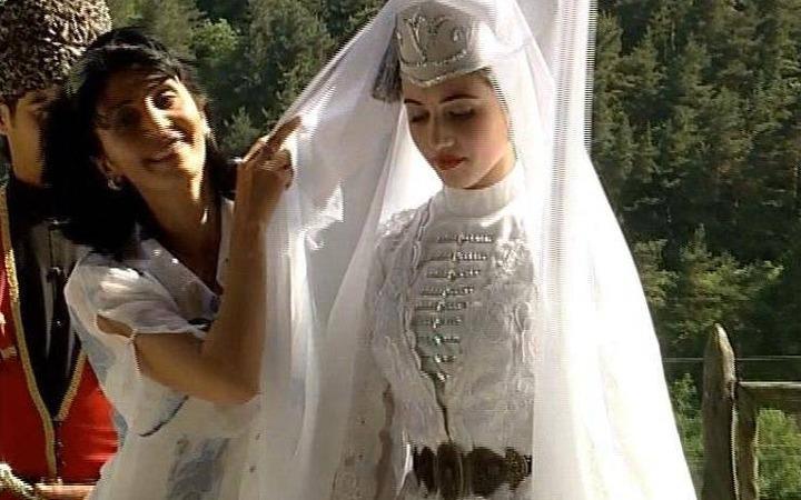 """Ингушская свадьба, или кто сядет за """"первый стол"""""""