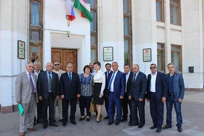 Члены АзерРос отметили День Азербайджана с калужскими активистами