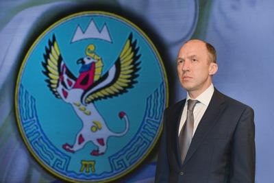 Глава Алтая поздравил жителей с Днем республики