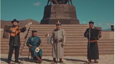 """Глава Тувы Шолбан Кара-оол исполнил """"День Победы"""" на родном языке"""