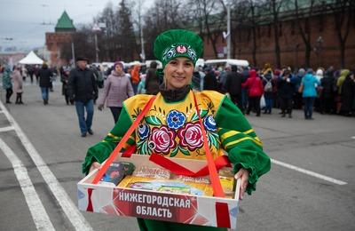 Готовить буузы и перепечи научили гостей гастрофестиваля в Нижнем Новгороде