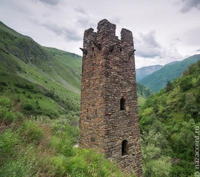 В Чечне отреставрируют средневековую боевую башню