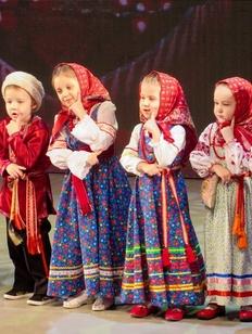 """Конкурс """"Мама и дети в национальных костюмах народов мира"""" пройдет в Москве"""