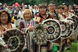 Ил Тумэн внес в Госдуму законопроект о защите эпического наследия