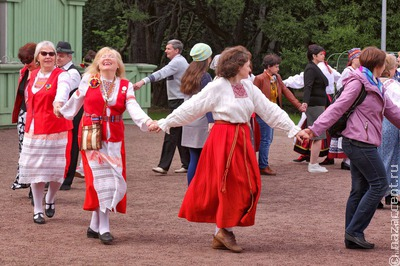 Выставка костюмов ингерманландских финнов откроется на фестивале в Карелии