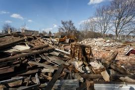 В татарстанском селе Айша цыгане приступили к сносу своих домов