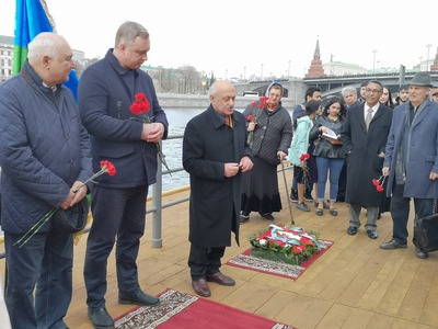 Памятный митинг и концерт прошли в Международный день цыган в Москве