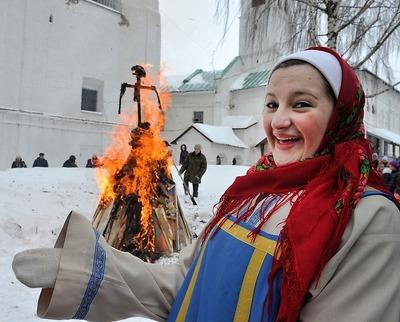 В Ярославле открылась Главная Масленица страны