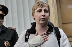 """Суд приговорил трех уроженцев Чечни к различным срокам за драку с журналистом """"Фонтанки"""""""
