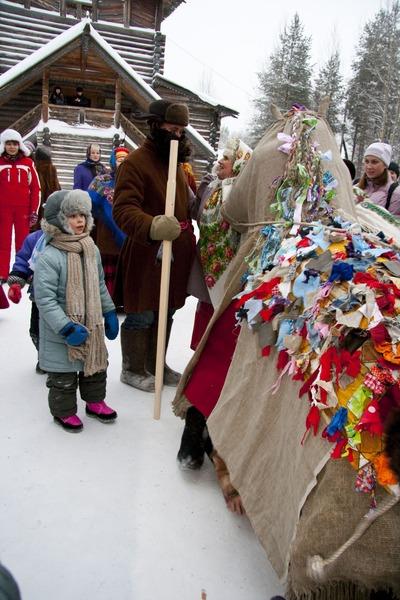 """В """"Малых Корелах"""" провели детский рождественский праздник"""