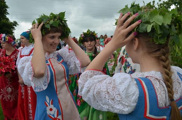 Курян приглашают отметить Троицу на Ермошкином озере