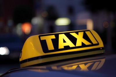 Православные казаки в Петербурге составят конкуренцию таксистам-мигрантам