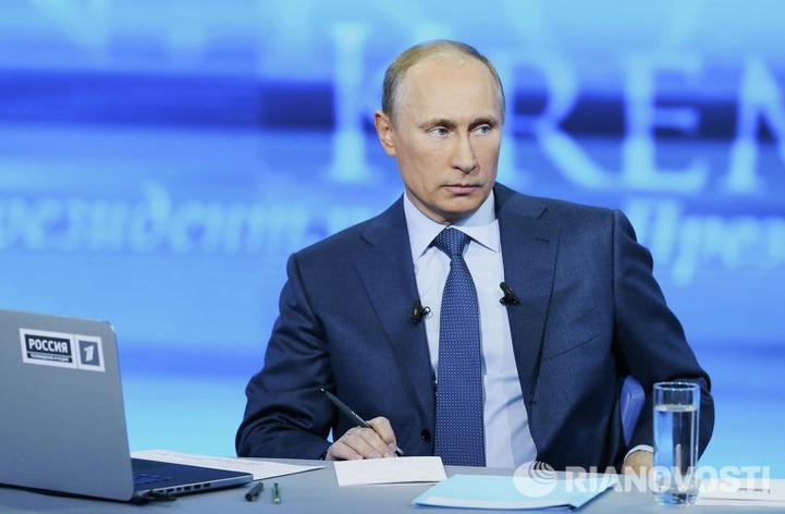 Путин выступил против ношения хиджабов