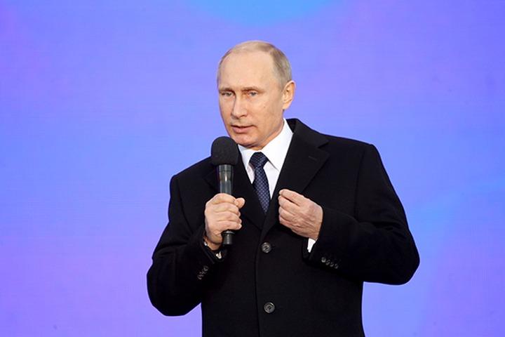 На праздничном концерте Путин назвал русских и украинцев одним народом