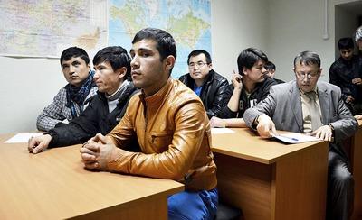 Адаптация мигрантов войдёт в перечень общественно полезных услуг