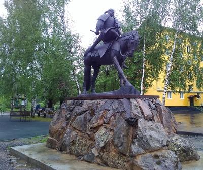 Памятник прародителю шорского народа установили в Таштаголе