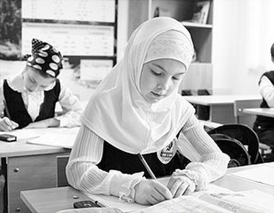 В Татарстане чиновники посчитали ношение хиджаба нарушением санитарных норм