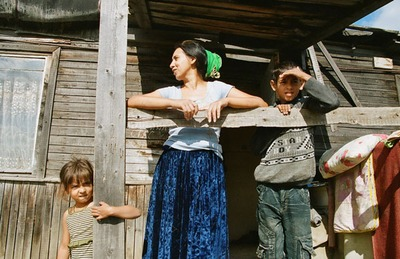 Лидер ФНКА цыган предложила легализовать цыганские дома в поселке Плеханово