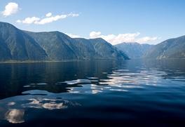 Власти Алтая не поддержали добычу золота рядом с Телецким озером, где живут малочисленные народы
