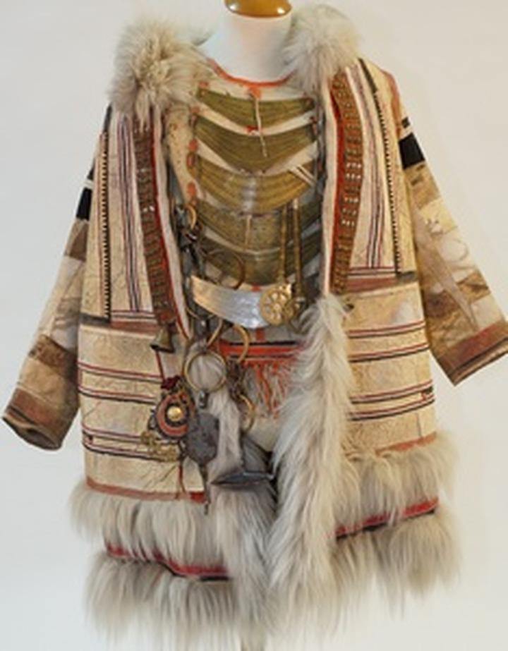 """Костюмы шаманов и переселенцев решили объединить на выставке """"Сибиряки"""""""