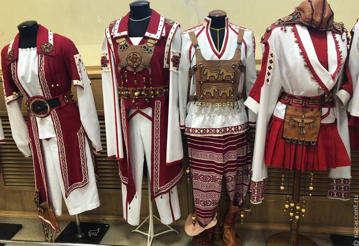 Выставка удмуртского костюма в Ижевске