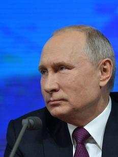 Путин подписал закон о смягчении 282-й статьи