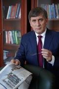 Хасавов уехал от преследователей в Европу
