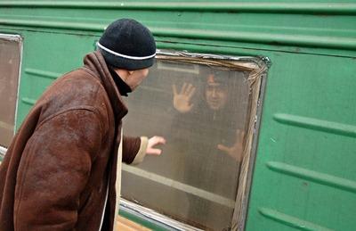 Застрявшие на границе в Астраханской области мигранты обвинили консульство в бездействии