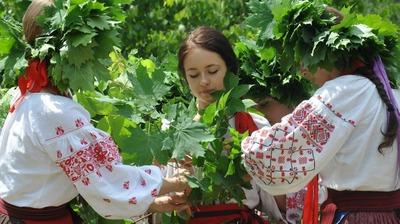 Троицу сделали выходным днем в Крыму