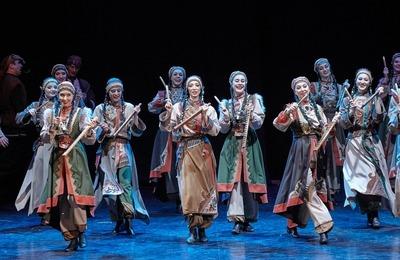 Этнобалет по шорской легенде о девушке-журавле показали в Кемерове