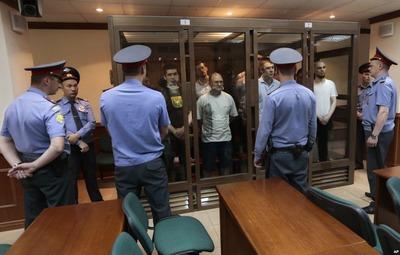 """Девять из двенадцати обвиняемых по """"болотному делу"""" отказались участвовать в процессе"""