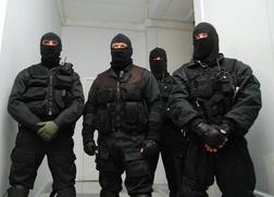 Люди в масках напали на мусульман в московском кафе