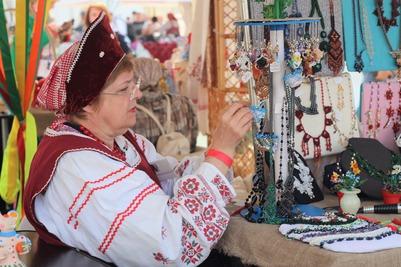 Показ новой коллекции одежды в русском стиле пройдет онлайн в Омске