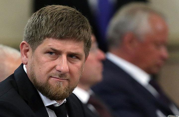 Кадыров и Сечин могут подать в суд на Financial Times за разжигание межнациональной розни
