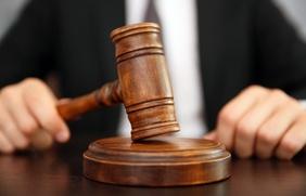 Суд присяжных полностью оправдал обвиняемого в убийстве неонациста
